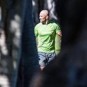 Des rugbymen australiens se rasent la tête en hommage à leur coéquipier atteint d'une leucémie