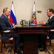 Poutine souffle le chaud et le froid en Crimée