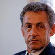 Sarkozy : l'été se solde par une chute dans un sondage
