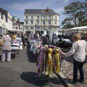 Consommation: les Français se serrent plus la ceinture
