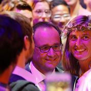 Hollande tacle Sarkozy à la soirée du Bon Coin