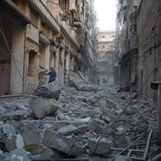 Syrie: un convoi humanitaire bombardé à Alep