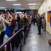Selfie géant d'Hillary Clinton: le simulacre de la politique