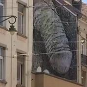 Effacez ce pénis géant que Bruxelles ne saurait plus apprécier