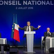 Les sarkozystes critiquent le déplacement «trop tardif» de Hollande à Calais