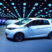 La voiture électrique accélère au Mondial de Paris