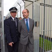 Face à la situation des prisons, la droite déplore «le temps perdu»