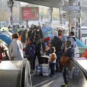 Après Calais, les camps de migrants enflent à Paris