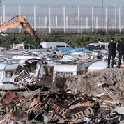 Calais: un démantèlement en trompe l'œil