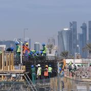 Mondial 2022 : le Qatar promet de payer dans les temps ses travailleurs migrants
