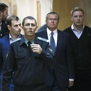 Les services secrets russes auraient piégé le ministre de l'Économie