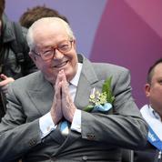 Jean-Marie Le Pen perd son statut de militant FN mais reste président d'honneur