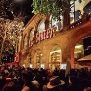 Paris: les spectacles de fin d'année sonnent l'heure du réveil