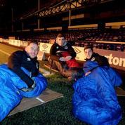Des joueurs d'Everton passent la nuit au stade pour la bonne cause