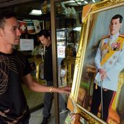 Thaïlande : le prince déluré a pris les habits royaux de Rama X