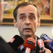 Robert Ménard défend son référendum local sur les migrants au tribunal