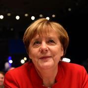 Allemagne: Angela Merkel durcit le ton sur les migrants