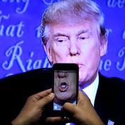 La drôle de danse de Donald Trump avec les médias