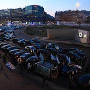 Les chauffeurs de VTC manifestent à Paris