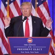 Furieux, Donald Trump dénonce les «fausses informations» le liant à Moscou