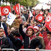 Six ans après la chute de Ben Ali, la Tunisie au milieu du gué