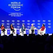 Chefs d'entreprise et économistes s'opposent sur la crise des classes moyennes au Forum de Davos