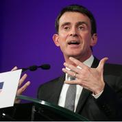 En meeting, Manuel Valls attaque Benoît Hamon et revient sur la gifle
