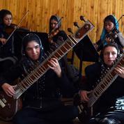 «Zohra», l'orchestre afghan 100% féminin au Forum économique de Davos