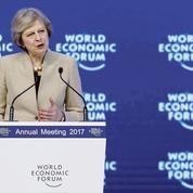 Davos: le Brexit n'est pas un repli sur soi, plaide Theresa May