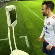 Grâce à un robot téléguidé, des enfants hospitalisés ont accès aux stars de l'OL