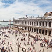 Pour sauver sa ville, le maire de Venise tombe le masque
