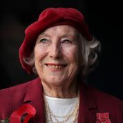 À 100 ans, «la fiancée des forces armées» Vera Lynn publie un nouvel album