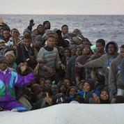 Les images du «cauchemar» vécu par des migrants secourus en Méditerranée
