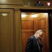 Tir de barrage inédit des démocrates contre l'installation du gouvernement Trump