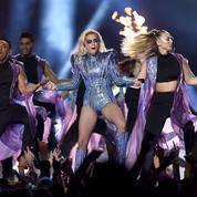 Super Bowl 2017 : Lady Gaga fait son show et envoie un message de tolérance