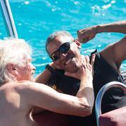 Loin de la Maison-Blanche, Barack Obama fait du kitesurf dans les îles