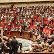 L'Assemblée nationale rend hommage à un de ses employés sauvagement agressé