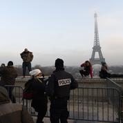 Tour Eiffel: le mur pare-balles inquiète les internautes