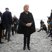 À Nice, Marine Le Pen dénonce les «crapules» qui «détruisent»