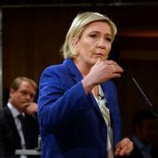 Présidentielle: Marine Le Pen bien installée en pole position