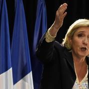 Violences à Saint-Denis : Fillon et Le Pen montent au créneau, Cazeneuve réplique