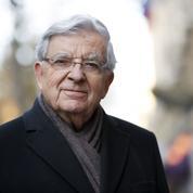 Chevènement critique l'agenda judiciaire de l'affaire Fillon
