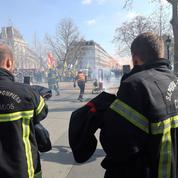 Des centaines de pompiers dans la rue ce mardi à Paris