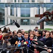 Emmanuel Macron intrigue les Allemands