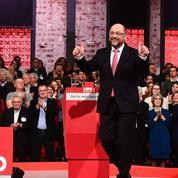 Martin Schulz, sacré champion par le SPD, face à Angela Merkel