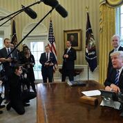 L'échec sur l'Obamacare pointe «l'incompétence» de Donald Trump, selon la presse