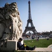 Face à la «menace terroriste», la tour Eiffel va se doter d'une «paroi en verre»
