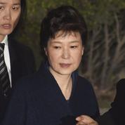 Corée du Sud : l'ex-présidente Park Geun-Hye placée en détention