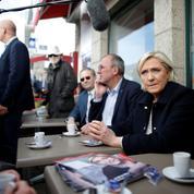 Comment Marine Le Pen cherche, en coulisses, à rallier des élus de droite