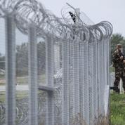 Migrants : la Hongrie verrouille un peu plus sa frontière